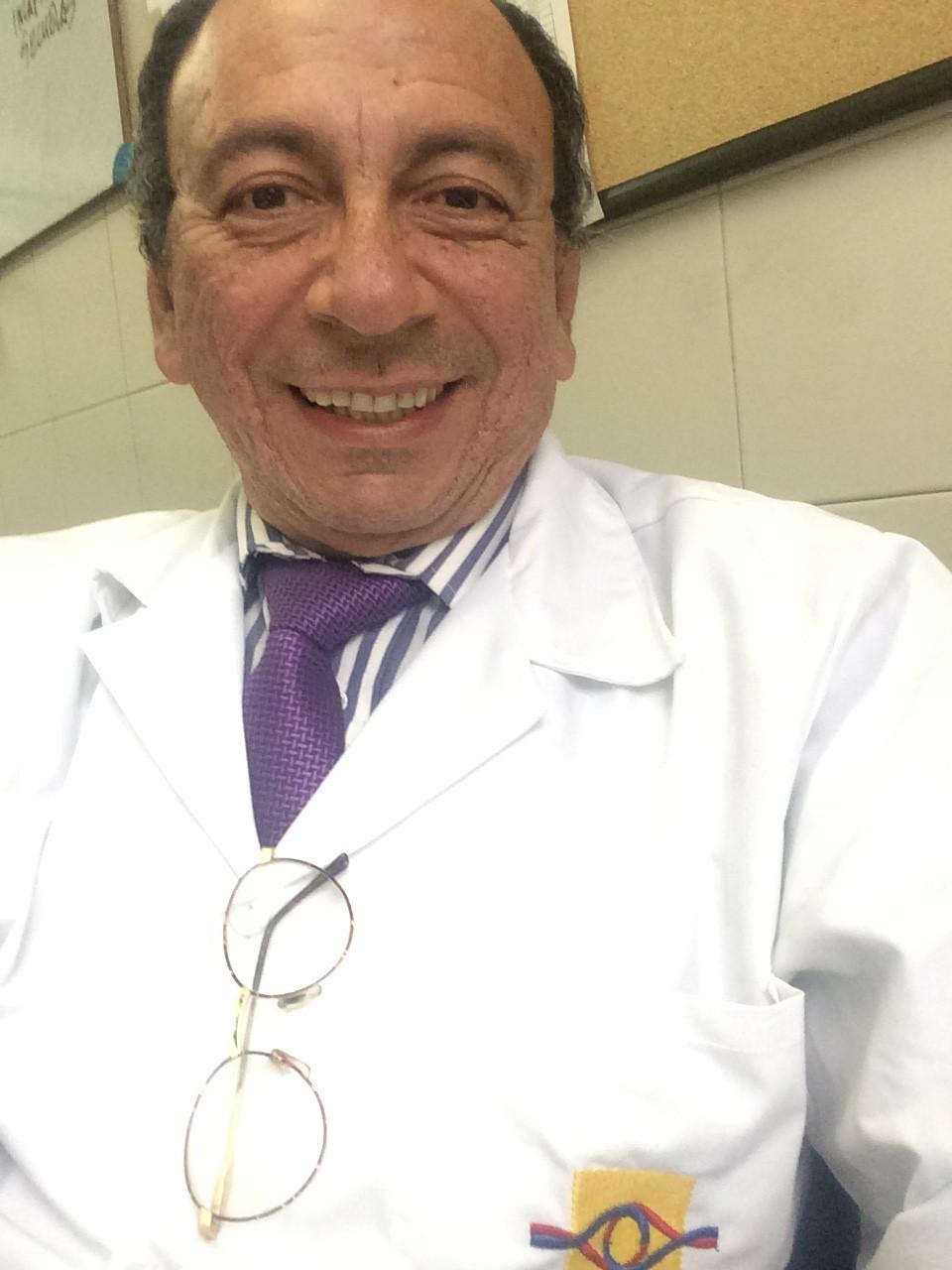Dr. Alfonso Casas